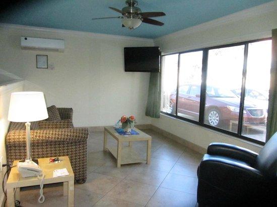 Bayview Plaza Waterfront Resort : Suite 711