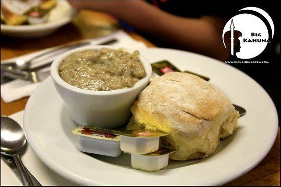 Harriette's Restaurant : Biscuits and gravy are A+