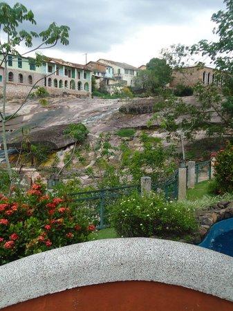 Hotel Canto das Aguas: Hotel Canto das Águas, vista da piscina.
