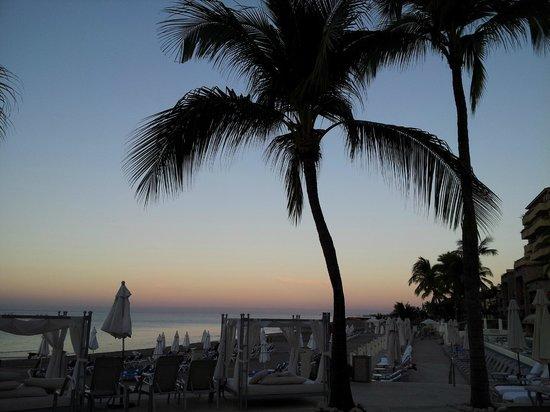 Casa Magna Marriott Puerto Vallarta Resort & Spa: Early morning