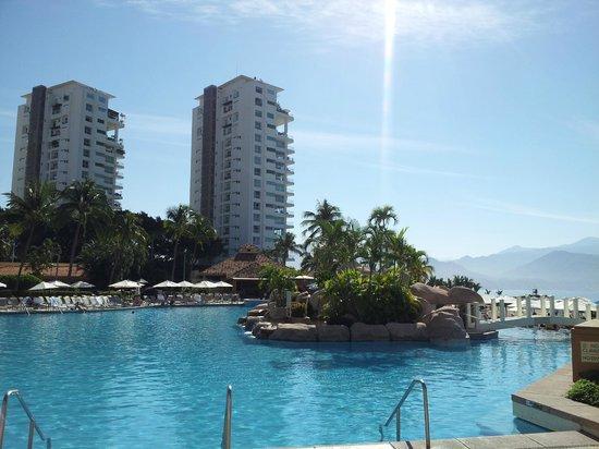 Marriott Puerto Vallarta Resort & Spa: Pool view