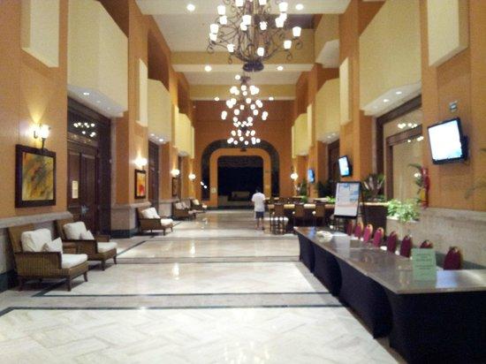 Marriott Puerto Vallarta Resort & Spa: Lobby 2