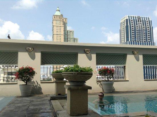 Cape House, Bangkok: roof top pool
