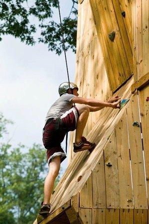 Refreshing Mountain : Climbing Wall