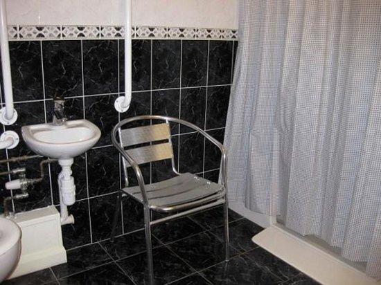 Best Western The Sea Hotel: Room 1 bathroom.