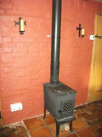 Foxhole B&B at Fox Cottage: wood burner