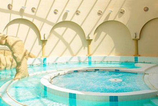 Le Meridien Abu Dhabi: Aquamedic Pool
