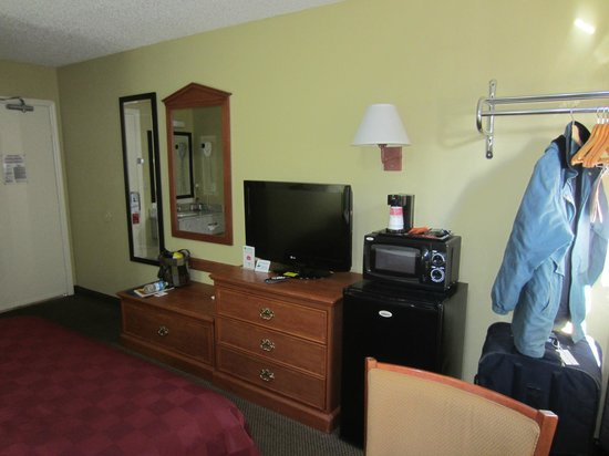 Super 8 Natchez: Bedroom 2