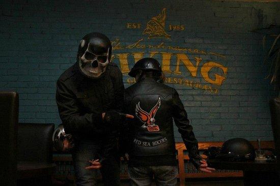 Viking Restaurant & Bar : motorclub meets viking
