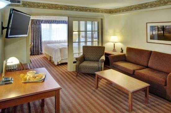 Coastal Inn Halifax : Two Room Suite