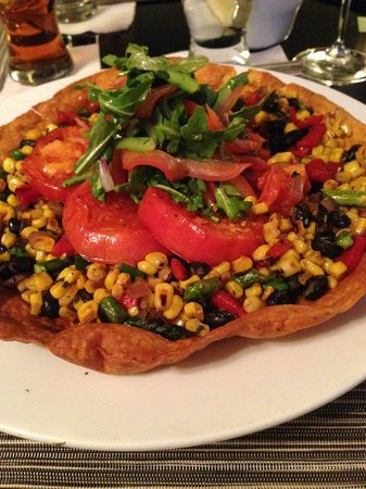 The Westin Poinsett, Greenville: Veggies in a pita bowl
