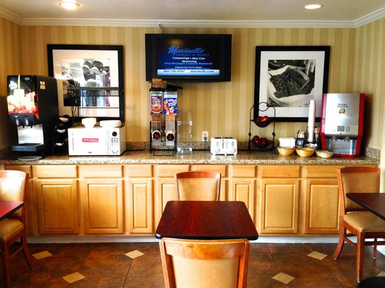 Regency Inn San Francisco Airport : Breakfast room