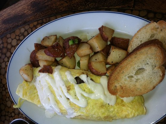 Chez Meme: Beef Bourguignon omelette