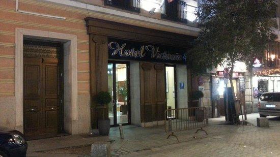 Hotel Victoria 4: Отель-вид с улицы