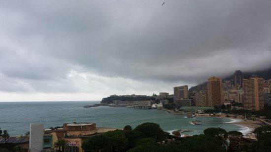 Monte-Carlo Bay & Resort : Std rm view, backside of hotel