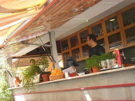 Cafe dos Macarones: Bar à ciel ouvert
