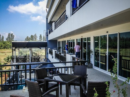 Amin Resort: First-floor rooms and the breakfast zone