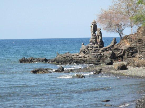 Villa Agung Beach Inn : temple