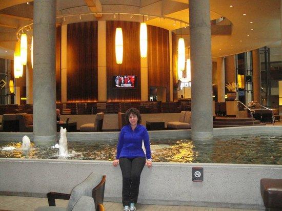 The Westin Bonaventure Hotel & Suites: En el lobby del hotel