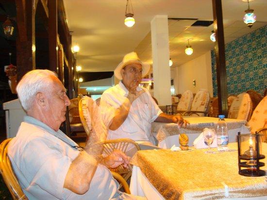 Joseph's Restaurant: Good company