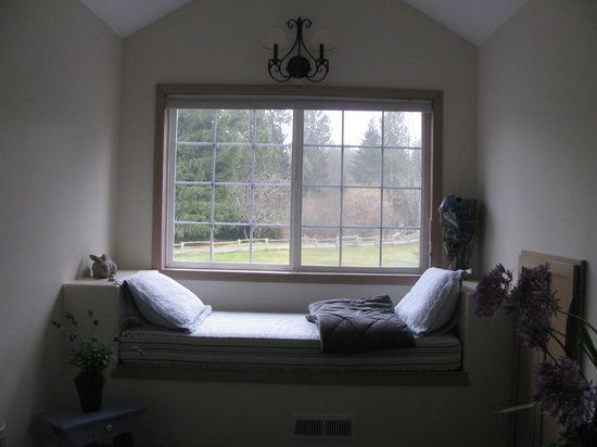 Lost Mountain Lodge: bedroom alcove