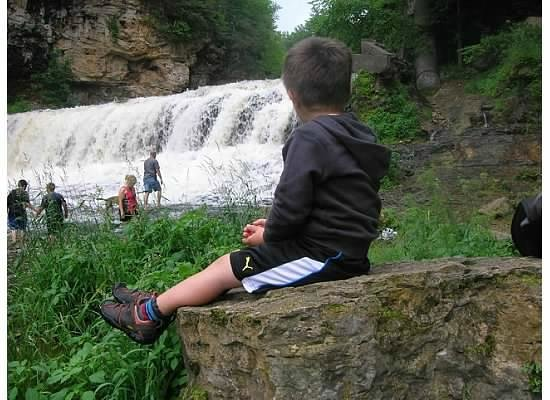 Willow River State Park: Family are in awe as we all sit and watch the beautiful falls; simply breath taking!