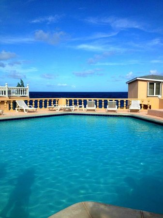 Guana Bay Beach Villas: Pool area