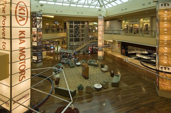 CoolSprings Galleria Food Court Picture of CoolSprings Galleria
