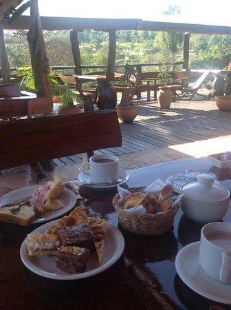 Jasy Hotel : Desayuno en la terraza del Jasy, paz absoluta...