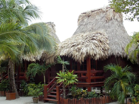 Ramon's Village Resort : Cabañas