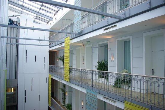 Atrium Fashion Hotel: vue de la chambre