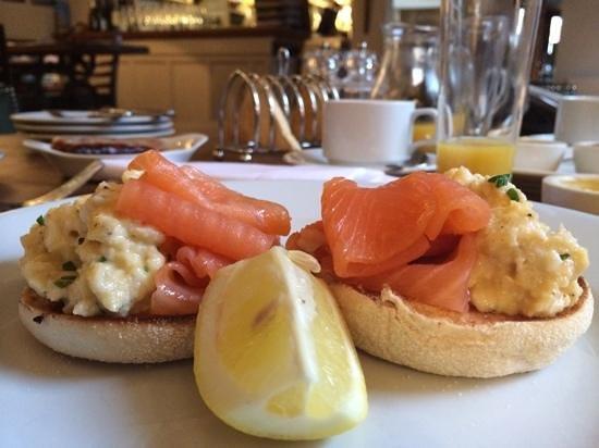 The Ship Hotel: breakfast