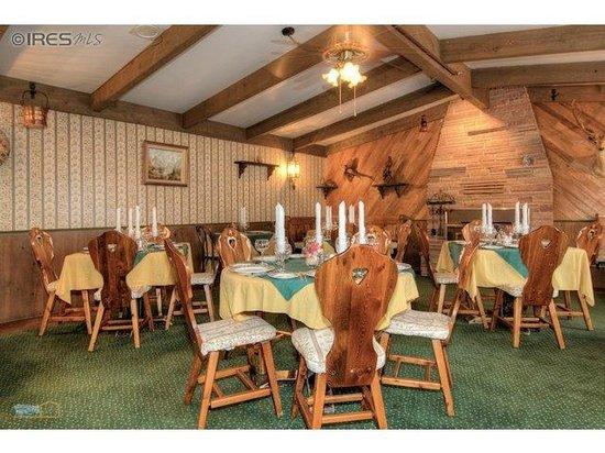 Black Bear Inn: Hunting Room