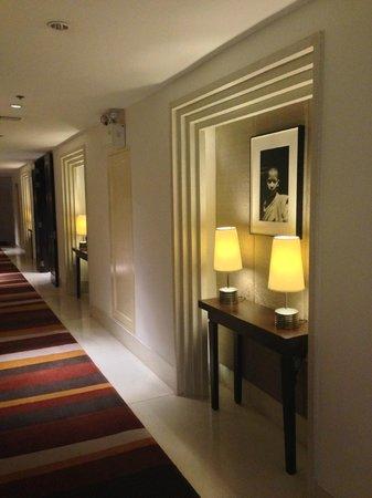 Park Hyatt Siem Reap: Guest Corridor