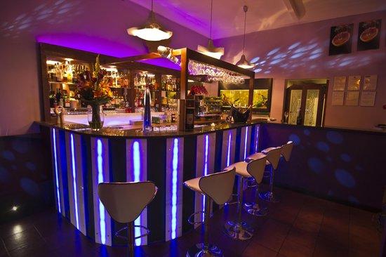 La Botte Restaurant: the barrr