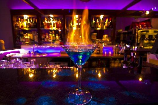 La Botte Restaurant : flaming cocktail