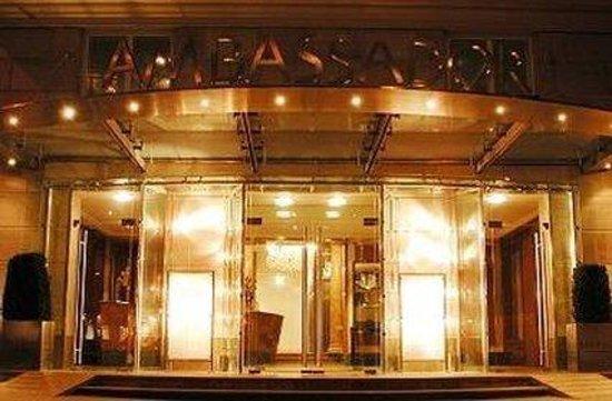 Hotel Ambassador: Exterior