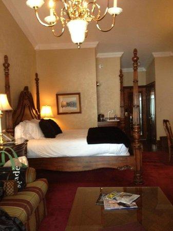 Mirror Lake Inn Resort & Spa: My Standard room - very nice