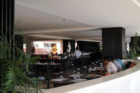 b Hotel Bali & Spa: На завтраке