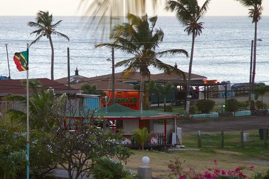 Chinchillas Mexican Restaurant & Bar: Authentic Mexican - Right on the beach!