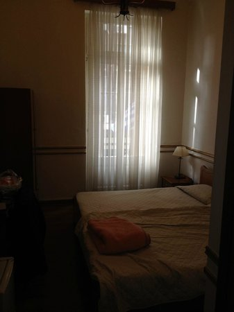 Tourist Hotel: Room with 2 beds
