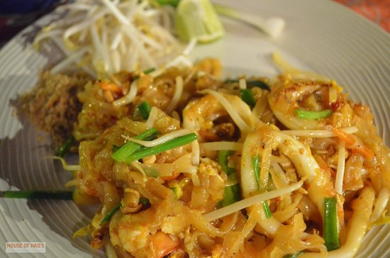 The Hut Cafe: Seafood Pad Thai, The Hut, Bophut, Koh Samui