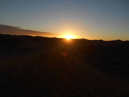 Dar Tafouyte: Sunrise over the dunes
