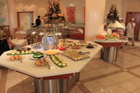 IBEROSTAR Creta Marine: Lunch Time at the Crete Marina