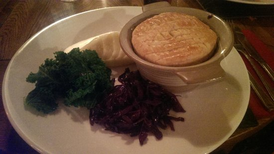 The Halfway Inn: Steak & Ale Pie
