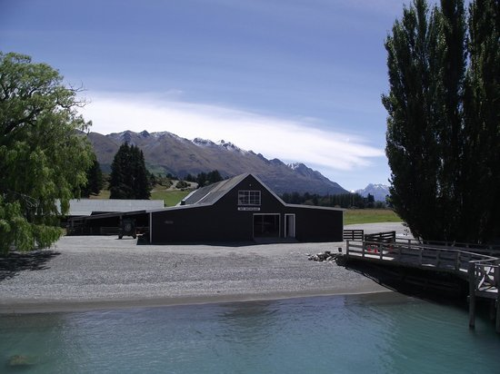 Queenstown Lake Cruise - Southern Discoveries : Mt Nic