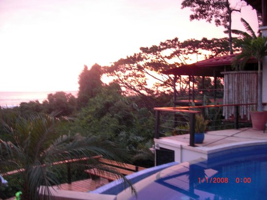 Casa MarBella: Sunset view from the upper deck