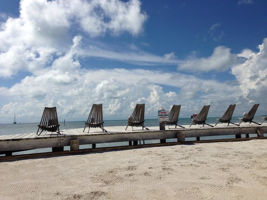 Iguana Reef Inn: Iguana Reef Dock - perfect place to relax and catch sunsets