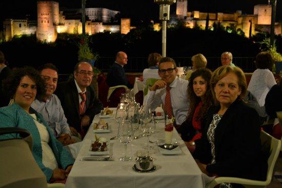 Carmen Mirador de Aixa : Desde la mesa