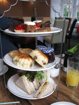The Royal Hotel: afternoon tea
